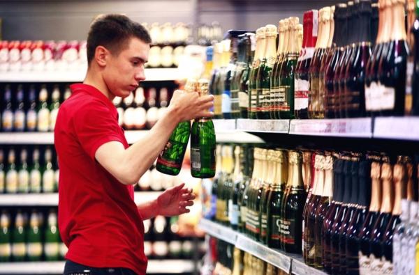 Инспекция по регулированию алкогольного и табачного рынка Узбекистана получит внебюджетный фонд