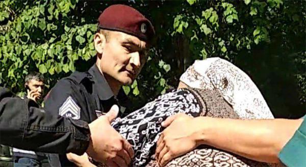 В Ташкенте пять женщин пытались остановить президентский кортеж, и были задержаны