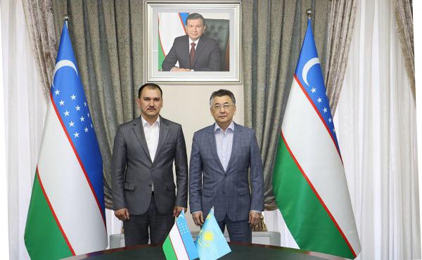 Мининфоком обсуждает с Казахстаном сотрудничество в области космоса