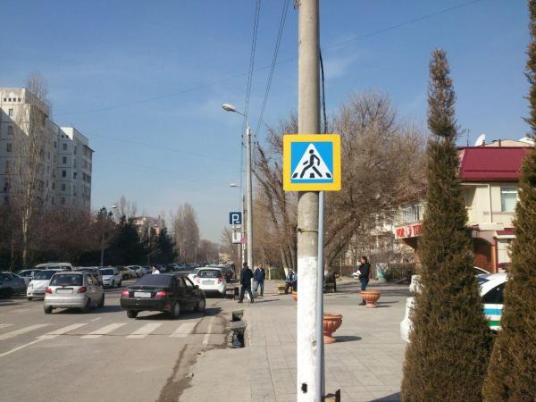 В Ташкенте пьяная водительница иномарки сбила молодого мужчину на пешеходном переходе
