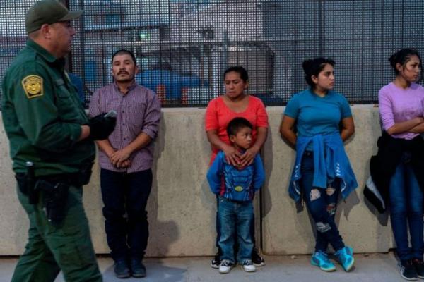 Сенат США заблокировал закон о помощи детям мигрантов
