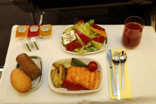 «Узбекистон хаво йуллари» снова признана авиакомпанией с самым вкусным питанием на борту