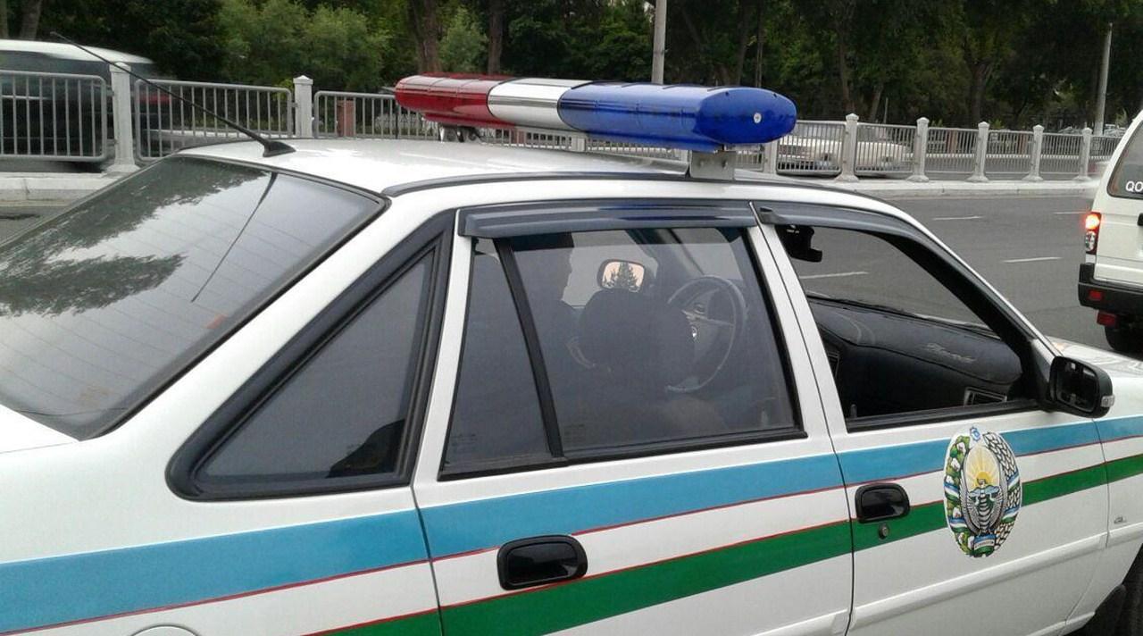 В Джизаке пьяный прохожий избил сотрудника УБДД и сорвал с него погоны