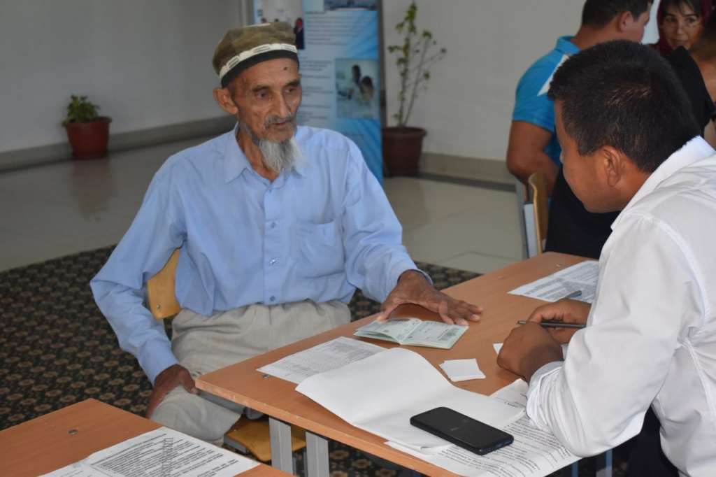 78-летний пенсионер стал абитуриентом Термезского филиала Ташкентского аграрного университета
