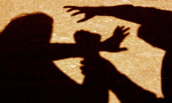 Защищая подруг от нападения четырех мужчин, 17-летняя девушка убила одного из них