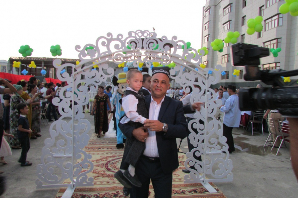 В Самарканде начался судебный процесс по делу известного предпринимателя Умара Раджабова