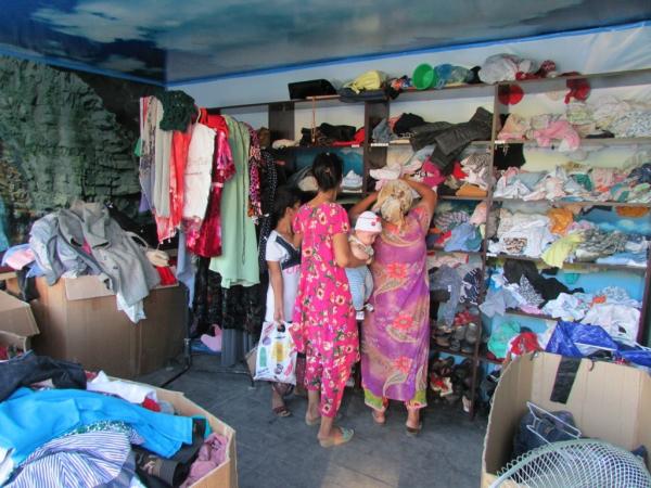 Добро есть: кто и зачем открыл социальный ларек в Самарканде