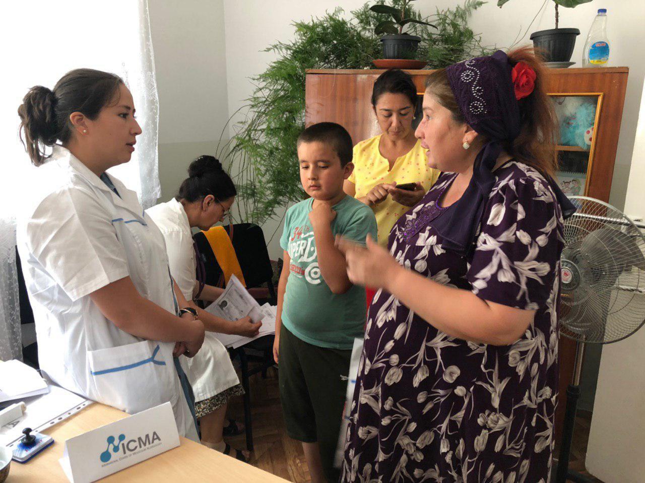 Специалисты Международного Центра молекулярной аллергологии обследовали детей в Намангане