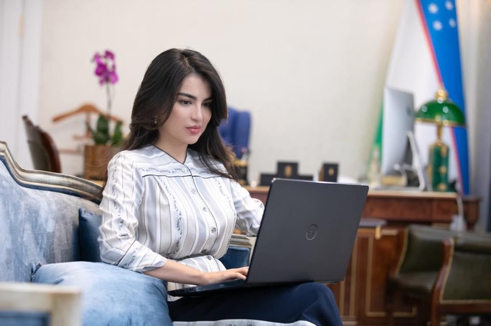 Уравнять неуравнимаемое  или как собирается Саида Мирзиёева уравнять журналистов и блогеров