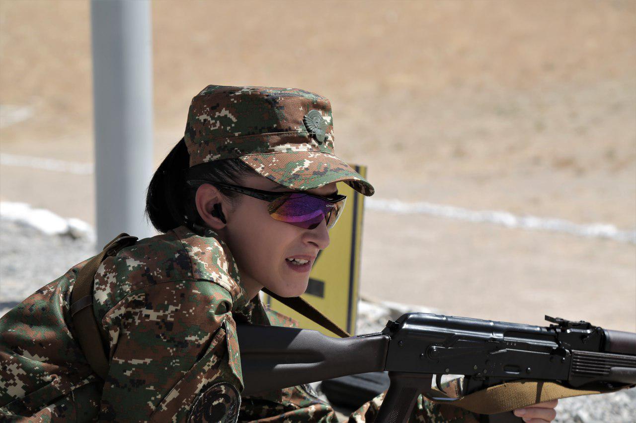 Стрельба из штатного оружия: Узбекистан лидирует в гонке за победу (фото)