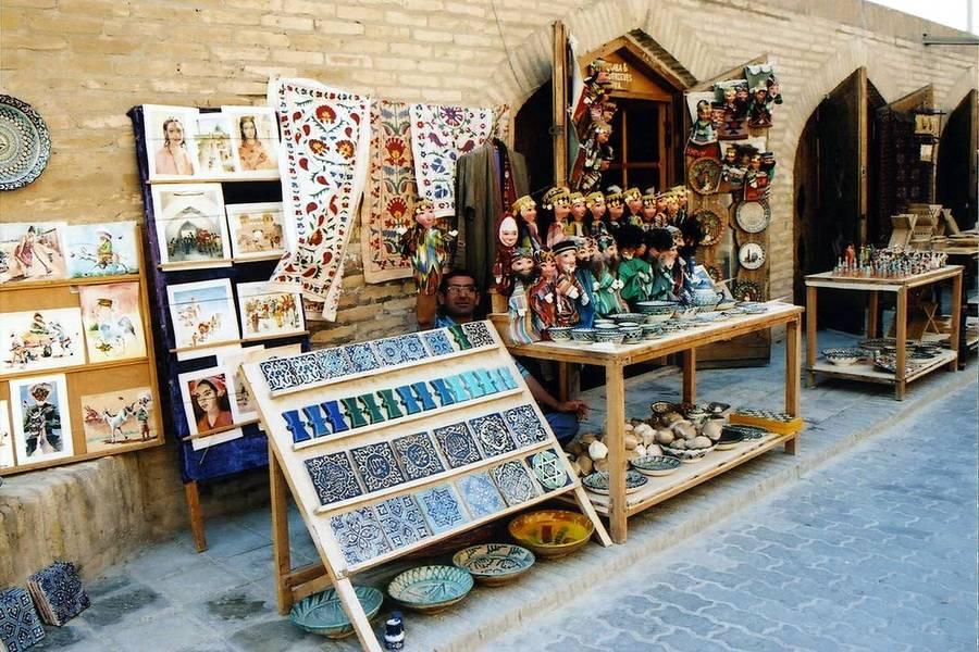 На территории объектов культурного наследия, включенных в список ЮНЕСКО, разрешат продавать только отечественные сувениры