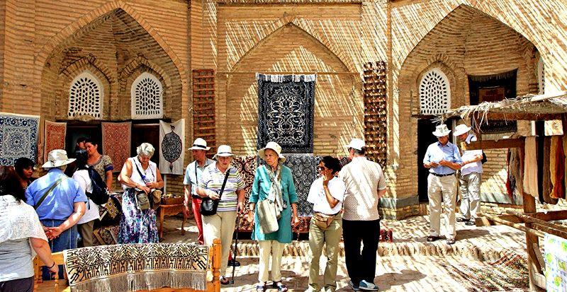 В крупных городах Узбекистана появятся туристические улицы