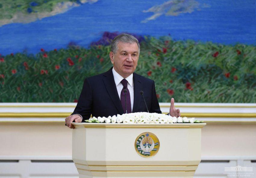 """Ш.М. Мирзиёев: """"Руководители секторов, не способные поменять свое мировоззрение - кандалы на наших ногах"""""""