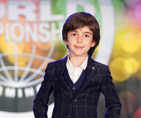 Мальчик из Узбекистана получил пять медалей Всемирного чемпионата исполнительских видов искусств (видео)