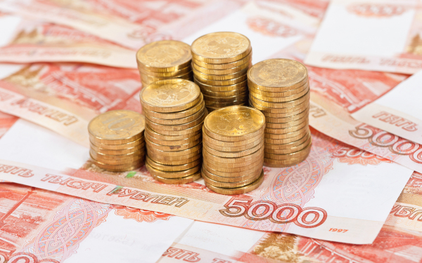 В Узбекистане открылась продажа наличных рублей и тенге