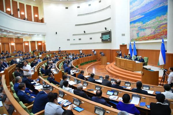 Ўзбекистон тарихида илк марта Сенат ялпи мажлиси жонли эфирга узатилмоқда