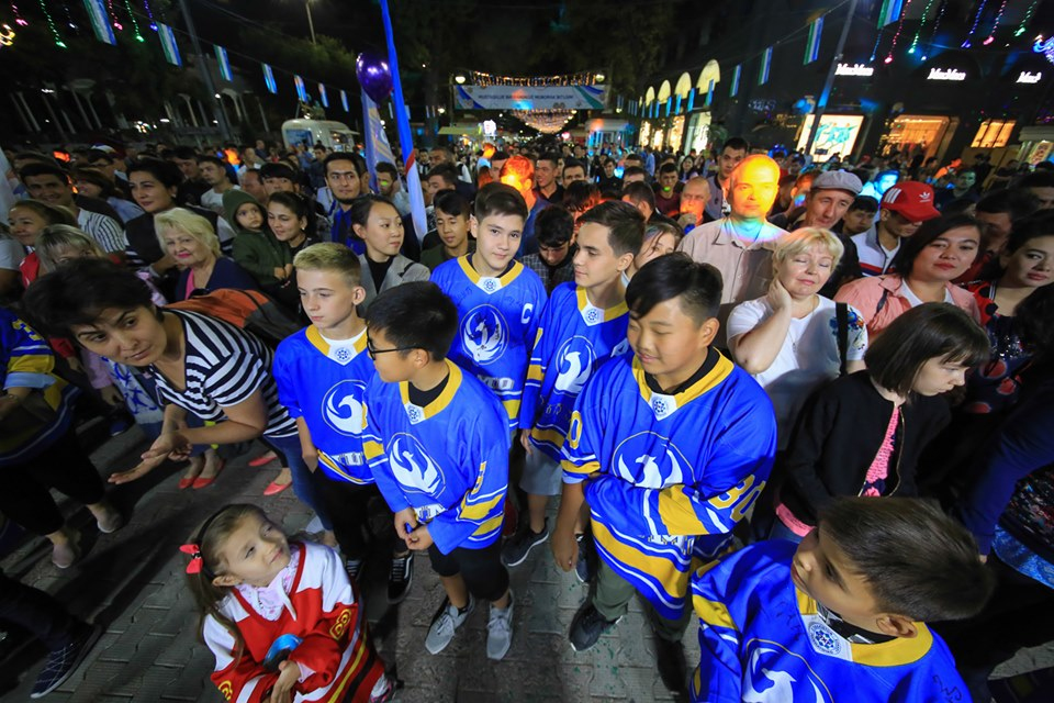Ташкентский хоккейный клуб «Хумо» представил команду, тренерский штаб и талисман (фото, видео)