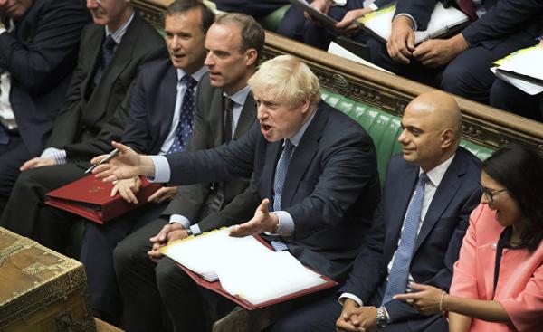 За один день британский премьер успел обидеть лейбористов, мусульман, цыплят и женские кофты