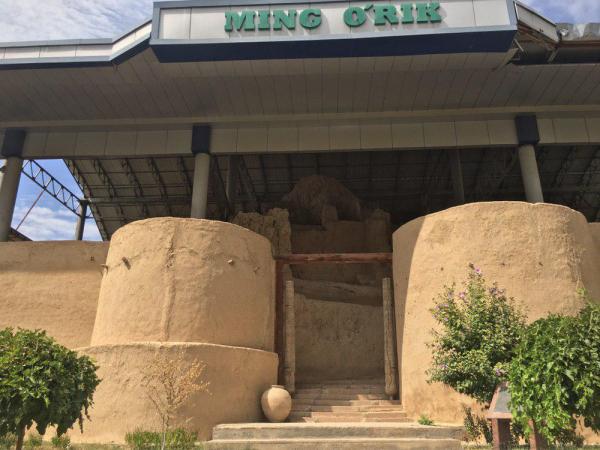 Археологическому памятнику Минг Урик угрожает многотонный новодел