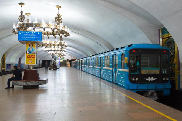 Перевозка   пассажиров в автобусах и метро Ташкента  обернулась убытком в 47 млрд. сумов