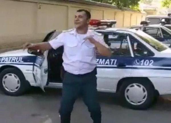 Танцующий сотрудник ППС в Ташкенте взорвал интернет (видео)