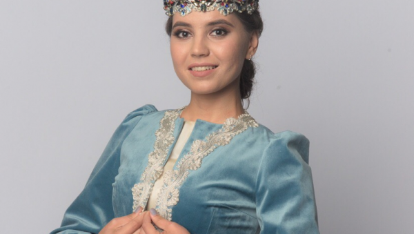Студентка из Узбекистана выиграла автомобиль, победив в конкурсе красоты «Татар кызы» (видео)