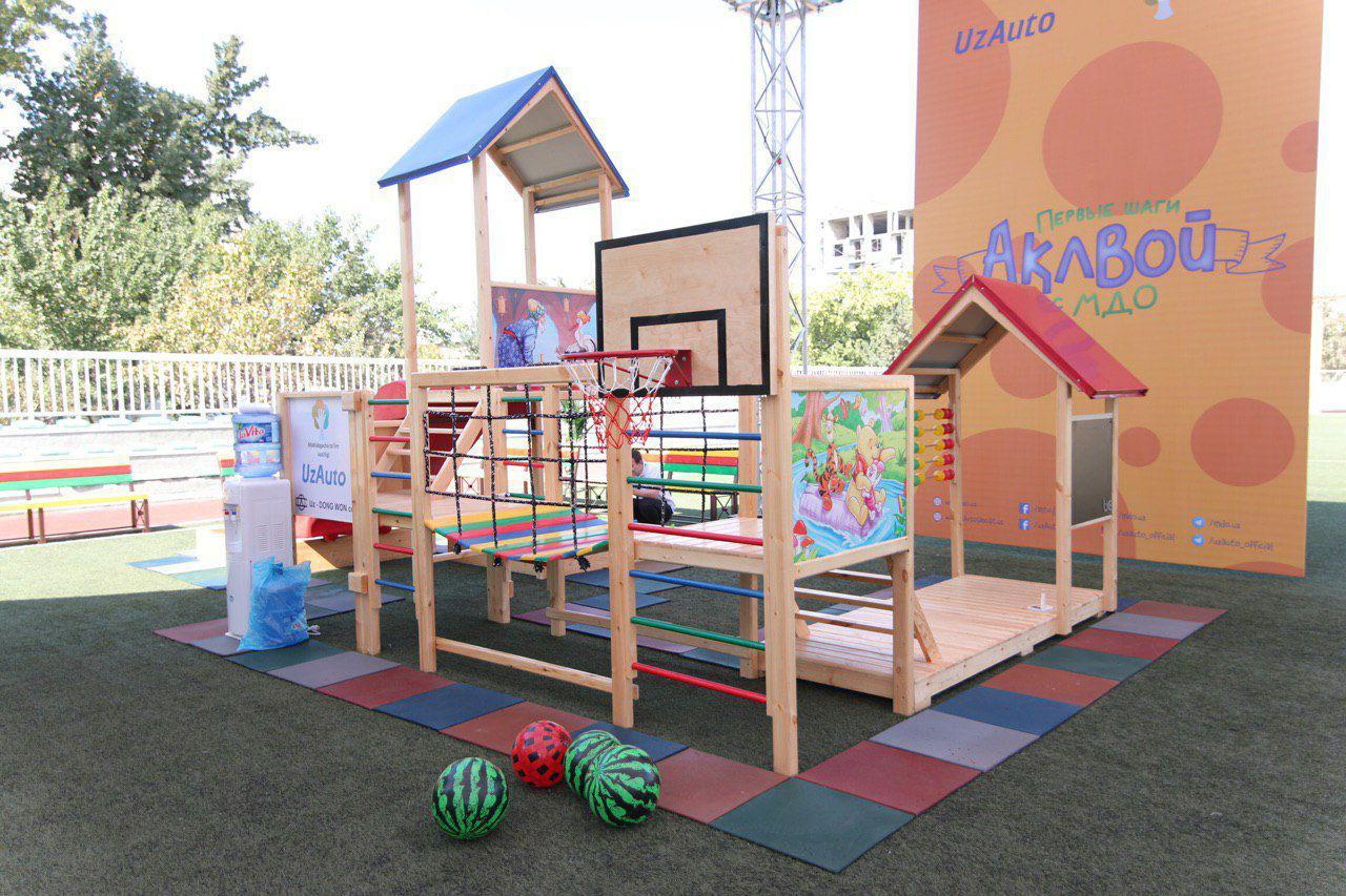 В Ташкенте презентованы мобильные и модульные детские сады (фото)