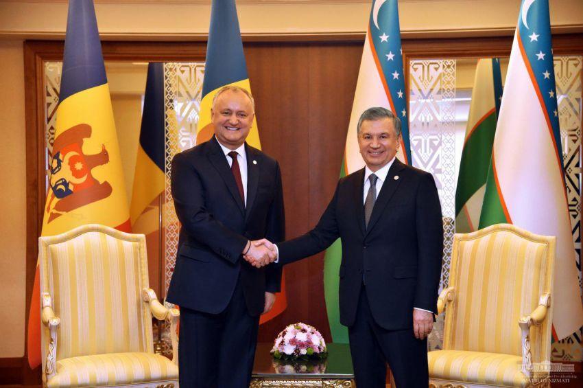 Президент Узбекистана провел встречи с главами Туркменистана и Молдовы