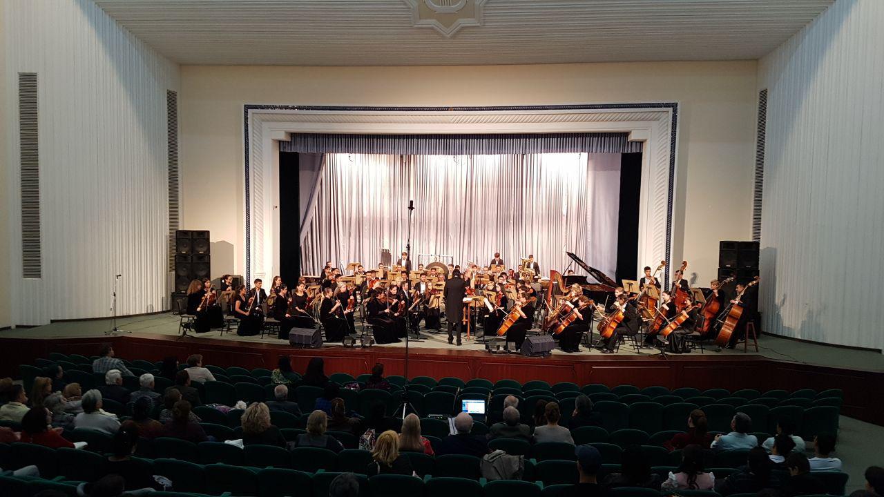 В Ташкенте состоялся творческий вечер Феликса Янов-Яновского