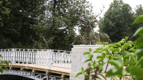Узбекистан подарил Павловску копии скульптур Оленьего моста, утраченных век назад
