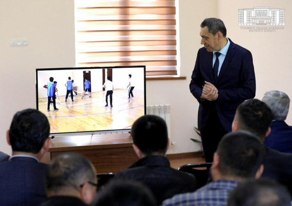 На любой площадке: в Ташкенте возрождается «махаллинский хоккей»