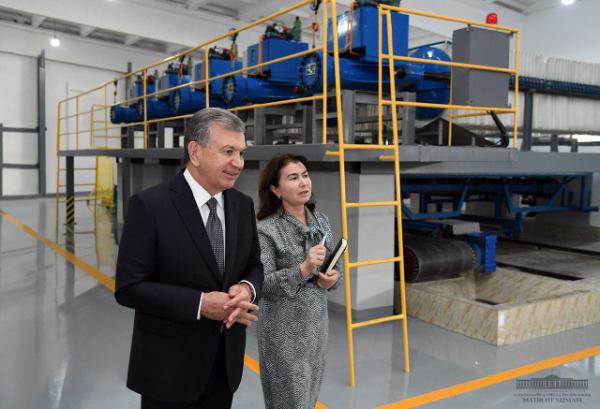 Шавкат Мирзиёев ташаббуси билан Тошкент чинни заводи қайта тикланди