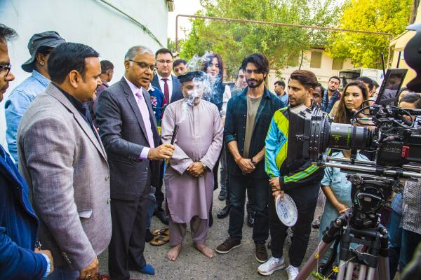 Индийская кинокомпания снимает в Ташкенте и Хиве романтический боевик