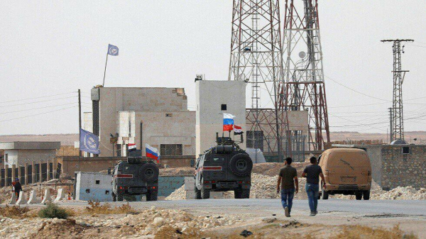 Российская армия заняла военную базу в Манбидж, где еще накануне квартировались американцы