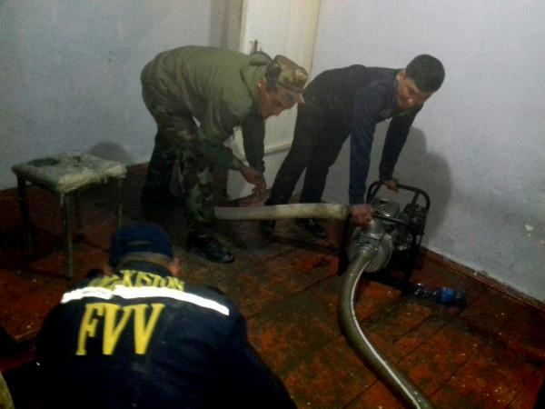 В Самарканде несколько домов затопило сточными водами