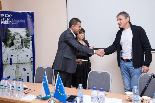 Латвийский режиссер рассказал узбекистанским студентам об искусстве документального кино