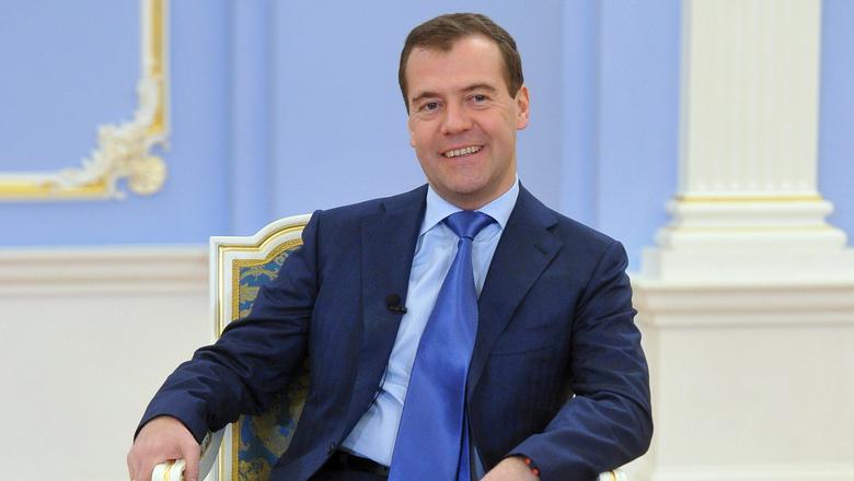 Председатель правительства РФ Дмитрий Медведев прибыл в Ташкент