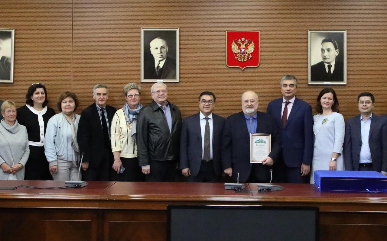Ректора ВГИК наградили благодарственной грамотой