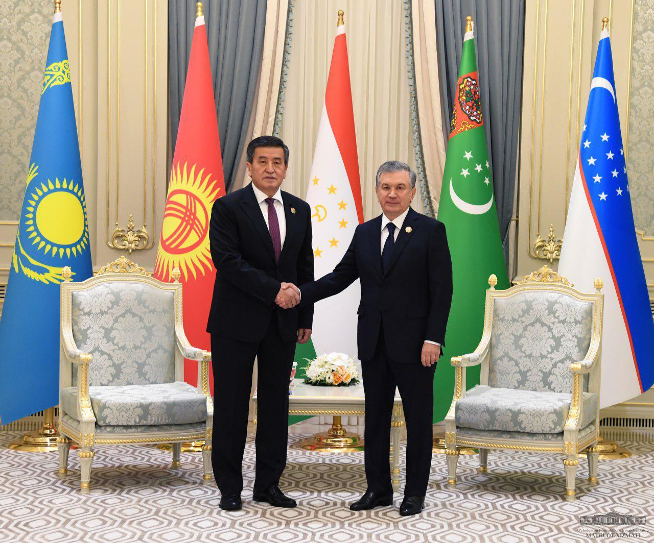 Президент Узбекистана провел встречи с лидерами Кыргызстана и Таджикистана