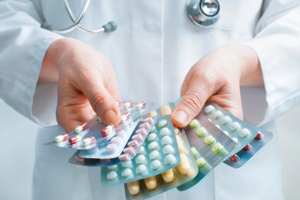 В Узбекистан завозятся импортные лекарства без документов