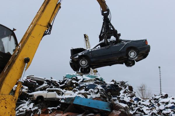 В феврале с владельцев колесных транспортных средств, самоходных машин и прицепов начнут взимать утилизационный сбор