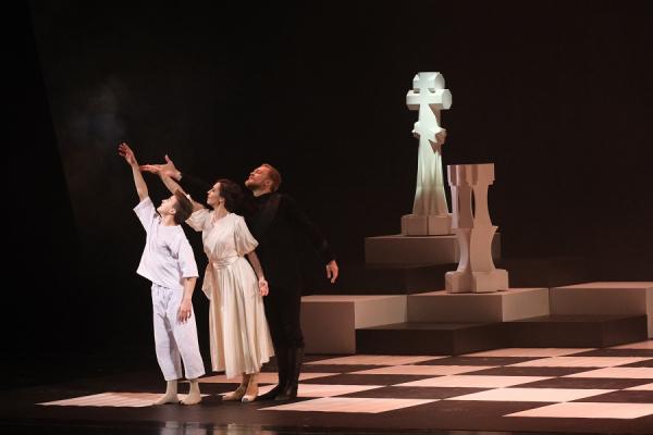 «На светлой стороне тьмы»: Сергей Полунин представил «Распутина» в Ташкенте (фото)