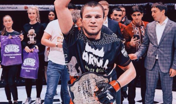 В Ташкенте впервые состоялся турнир ММА: Умар Нурмагомедов отстоял чемпионский пояс (видео)