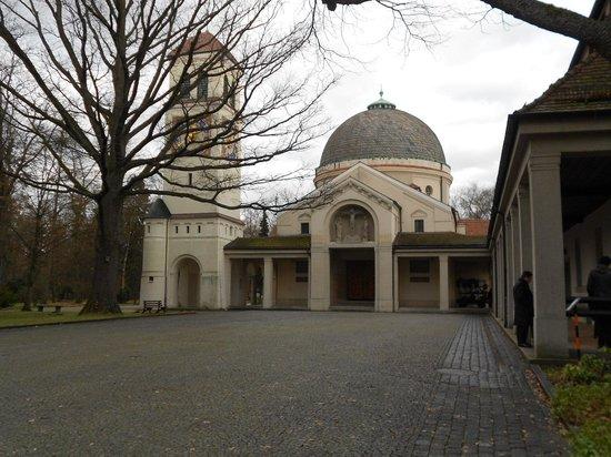 В захоронениях военнопленных в Германии обнаружены могилы воинов-узбекистанцев. Родственники отзовитесь!