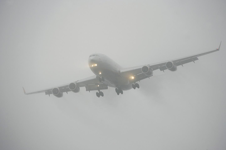 еще один фото самолет и туман актёры могут дать