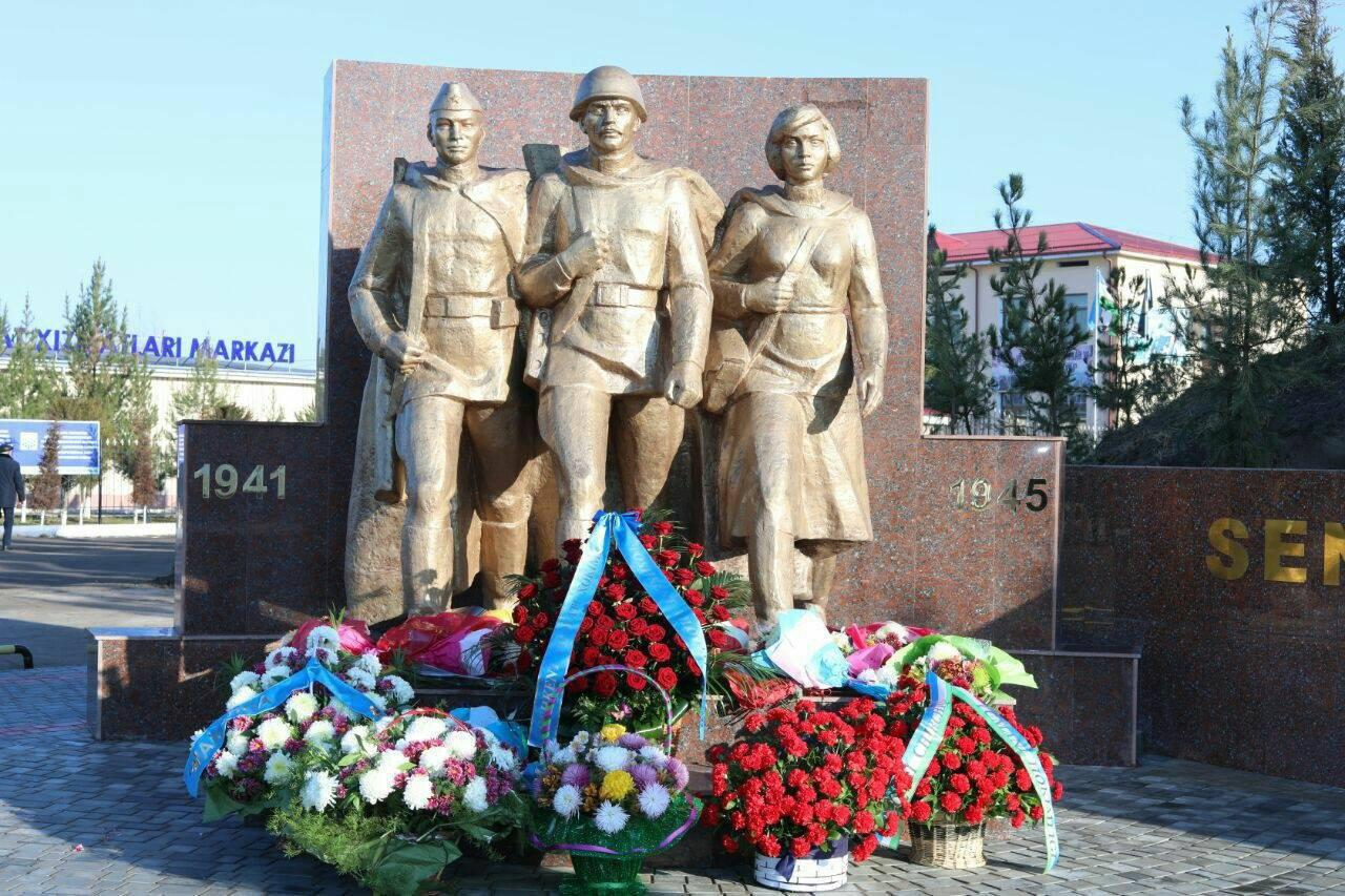 Памятник погибшим во Второй мировой войне воинам отреставрирован и установлен на новое место