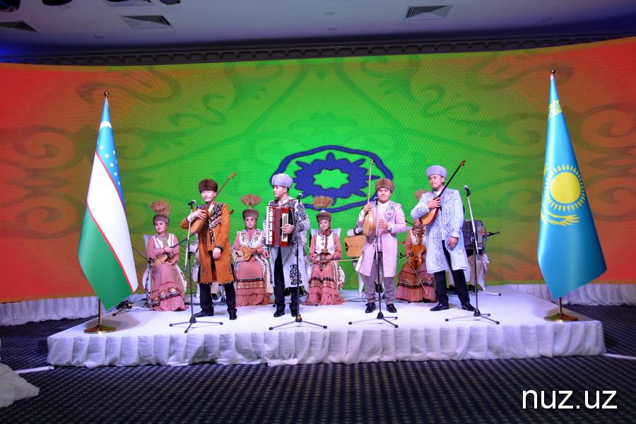 Казахстан отмечает День независимости республики (фото)