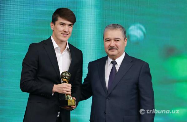 Эльдор Шомуродов стал лучшим футболистом года в Узбекистане