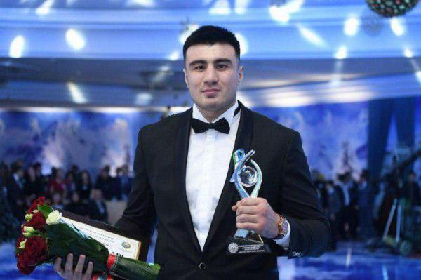 Боксер Баходир Жалолов стал лучшим спортсменом года