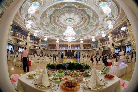 В Самаркандской области начали наказывать семьи, справляющие слишком пышные свадьбы